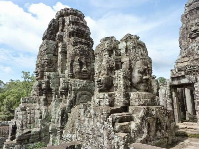 Bayon temple                                                               Image Credits:Ronan Crowley/ https://www.flickr.com/photos/rocrowley/4953818236/