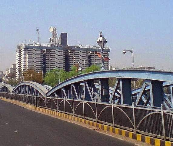 Ellis Bridge    Image Credits:By Hardik jadeja