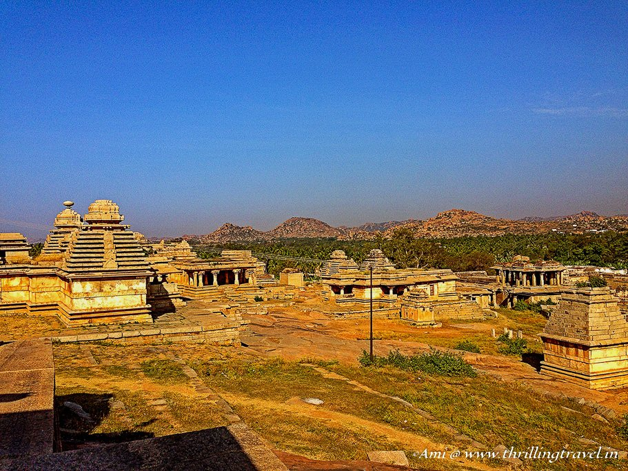 Hemakuta temples - ideal place for a sunset in Hampi