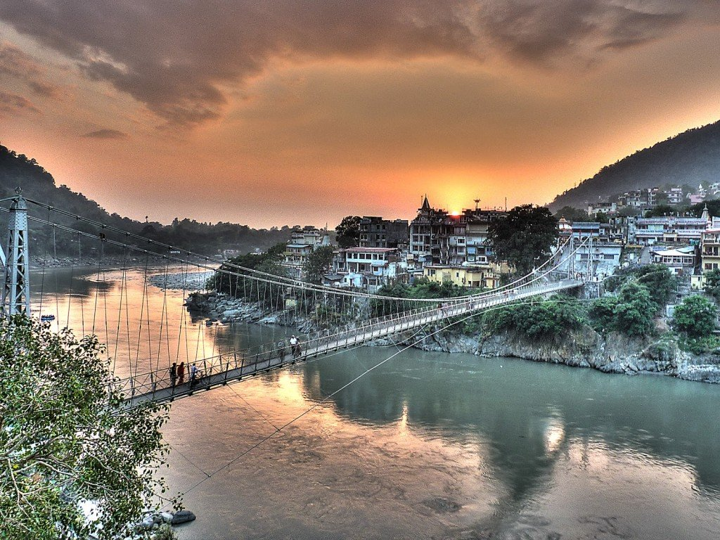 Rishikesh_-_Lakshman_Jhula, India