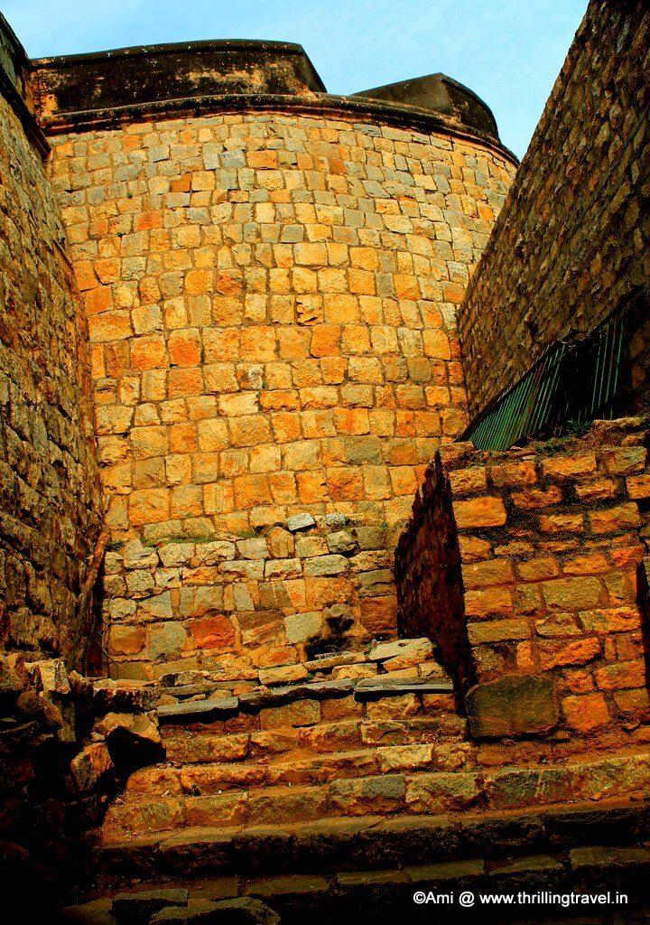 Garrison in ruins at the Bangalore Fort, Bengaluru