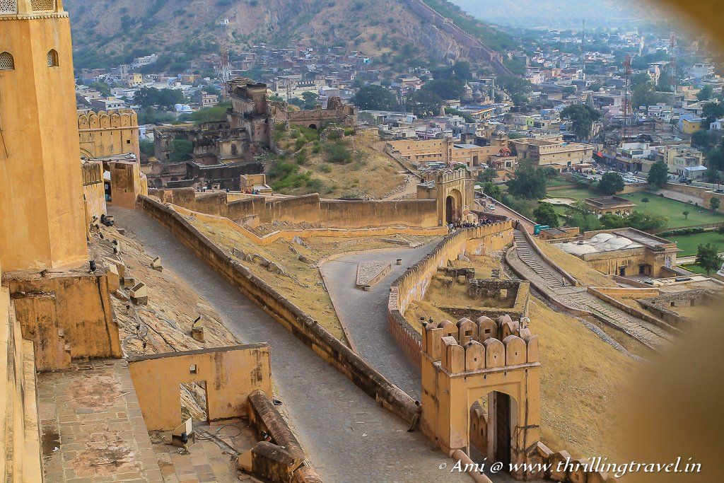The Zig Zag roads leading to Suraj Pol in Amber Fort of Jaipur