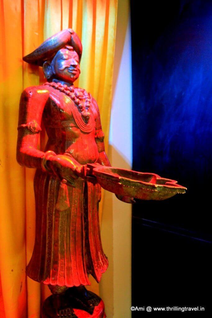 Lamp at Kelkar Museum