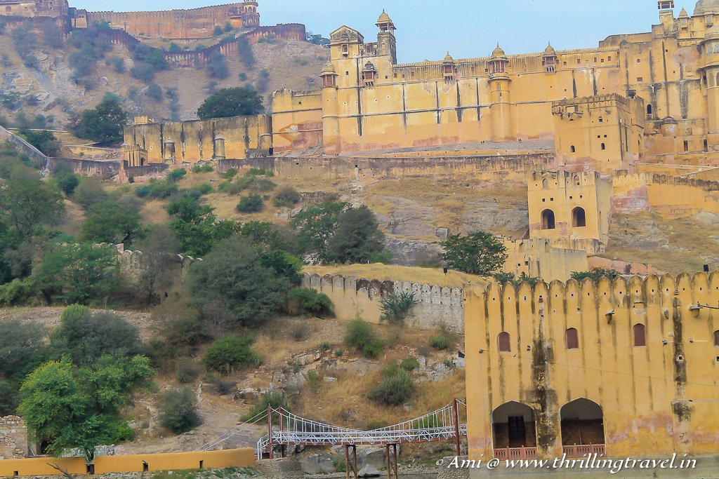 Jaigarh fort on top of Amer fort. Check out the rope bridge where the Kadami palace was