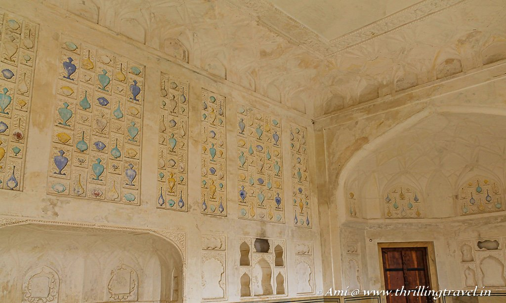 Sukh niwas wall carvings - inspired by Mughal architecture