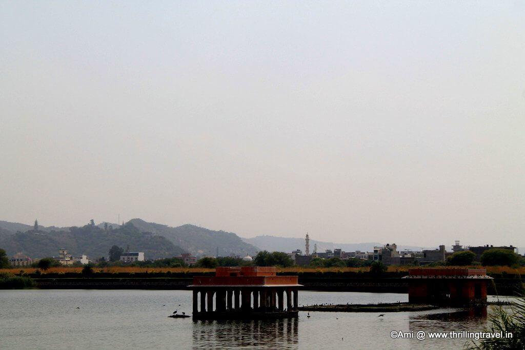 Man Sagar Lake, next to the Jal Mahal