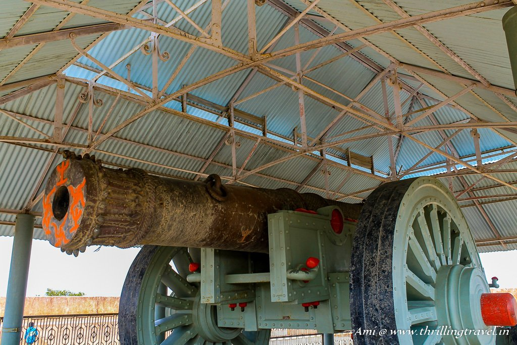 Jaivana - The world's largest Cannon on wheels at Jaigarh Fort