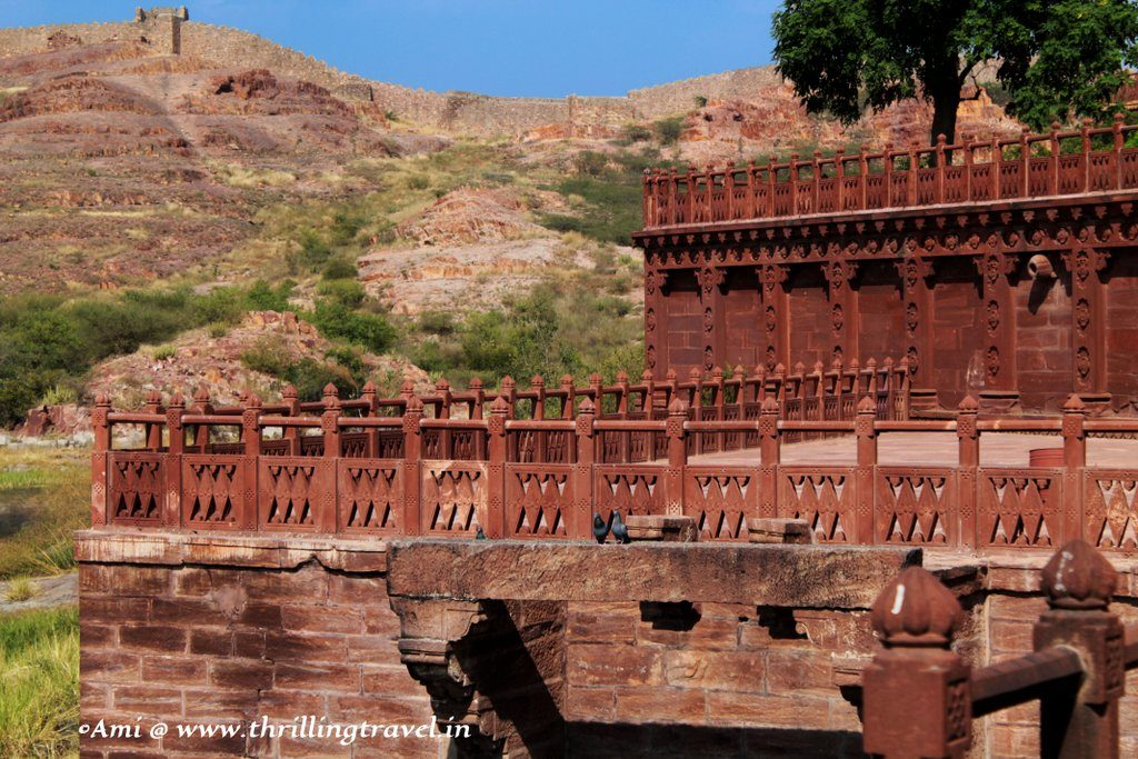 The terrace overlooking the lake at Jaswant Thada