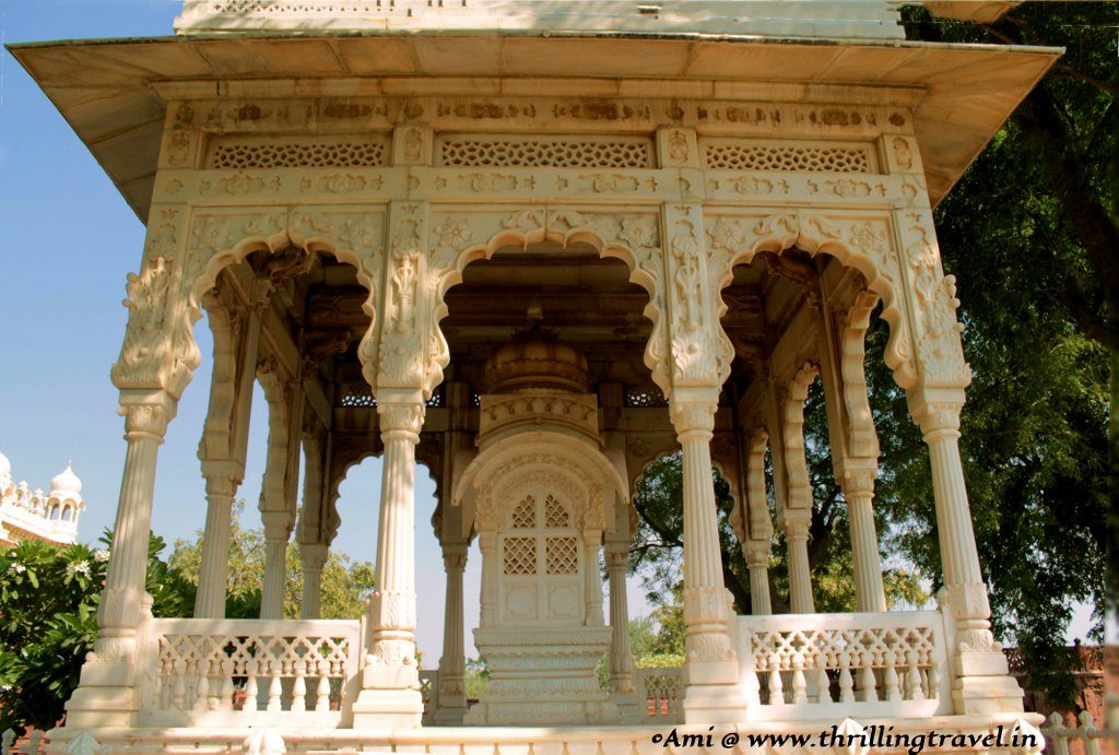 Close up of a memorial at Jaswant Thada