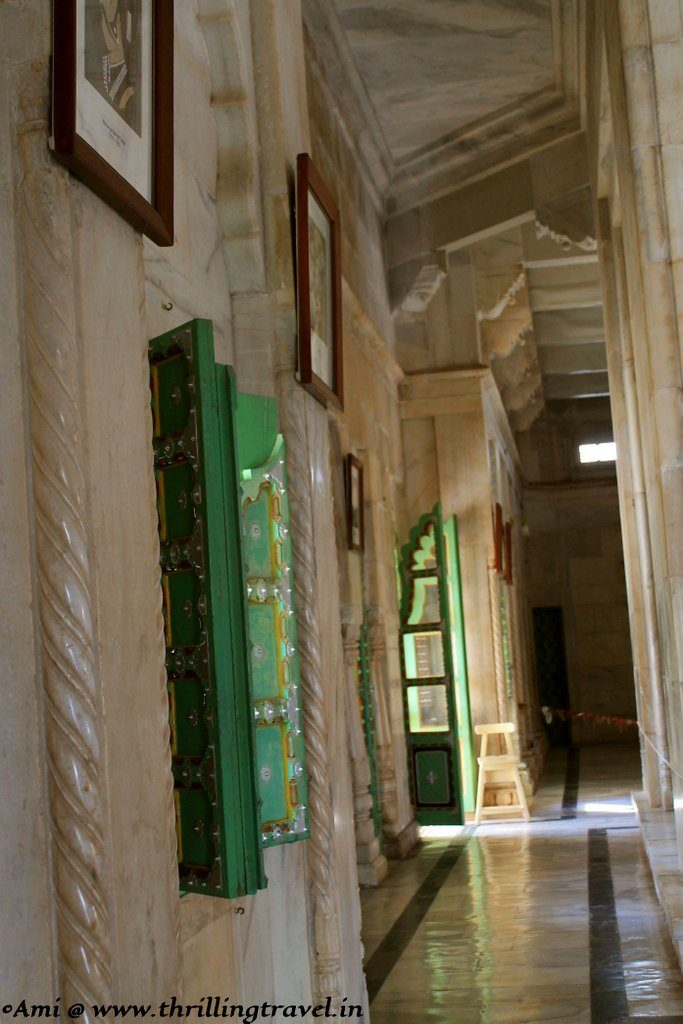 Green doors seamlessly blending in with the whites, Jaswant Thada