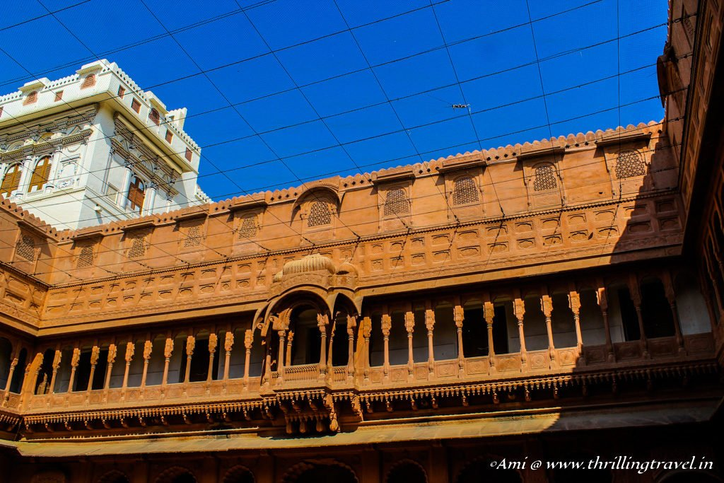 The red and white facade of Junagarh Fort in Bikaner