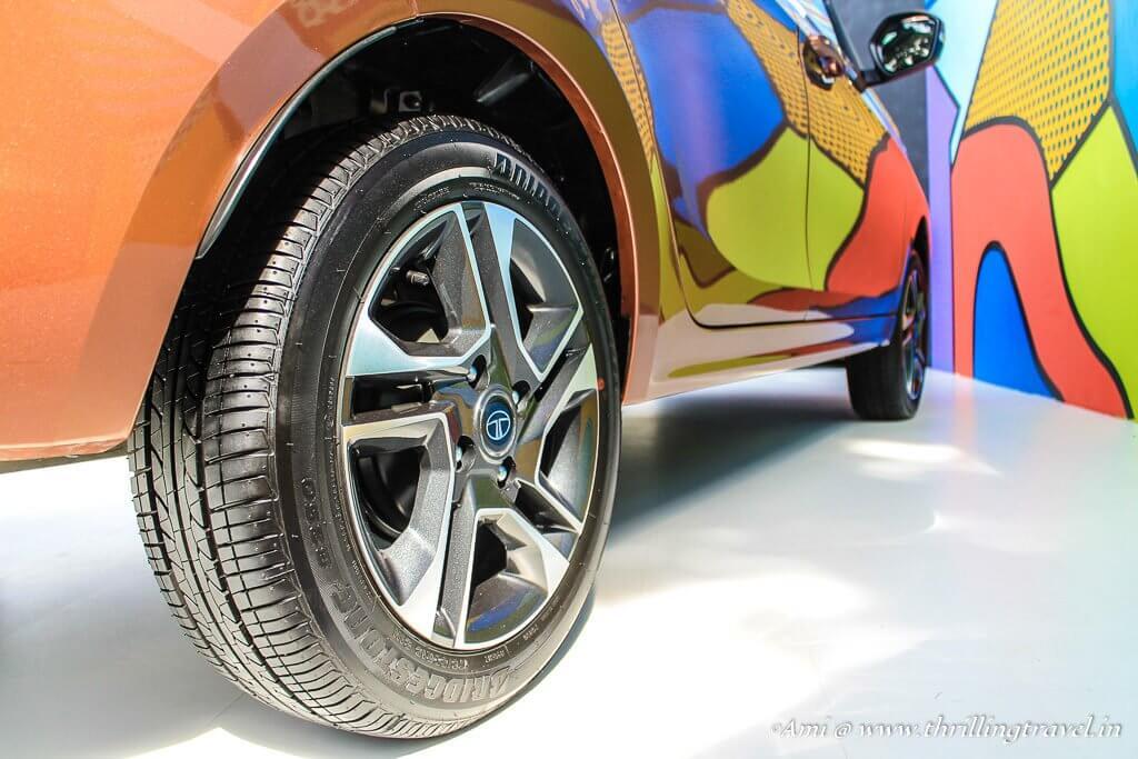 Alloy Wheels with Tubeless Tyres - Tata Tigor