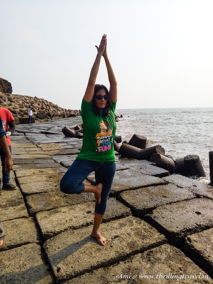 My 3rd task of the Goa hunt - yoga on Anjuna beach