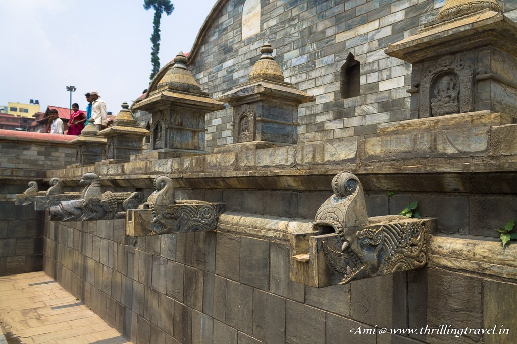 The area where the devotees wash before entering the Pashupatinath templev