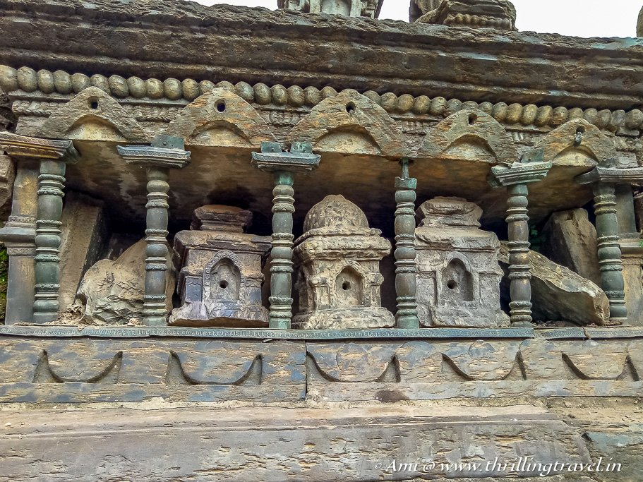 Tiny temple shrines around the bath
