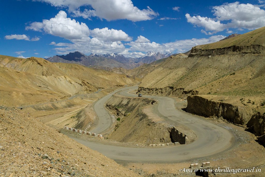 The winding roads that lead you down Fotu La to the Lamayuru Monastery