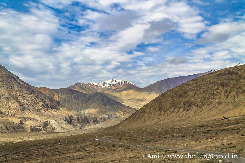 The road between Leh and Nubra Valley