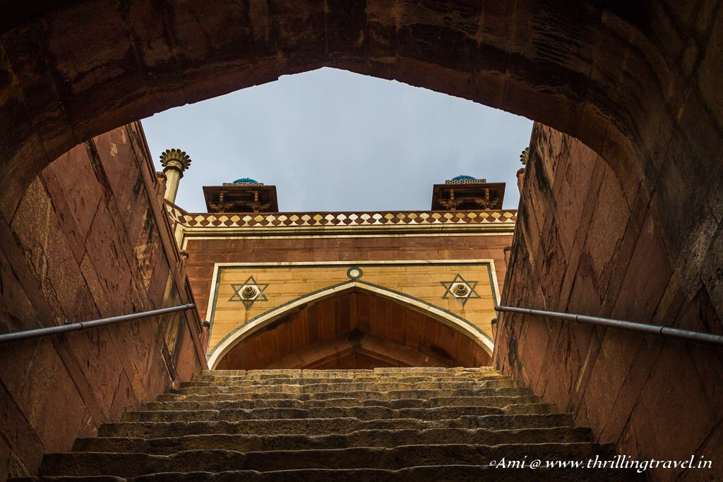 Climbing up to Humayun's tomb