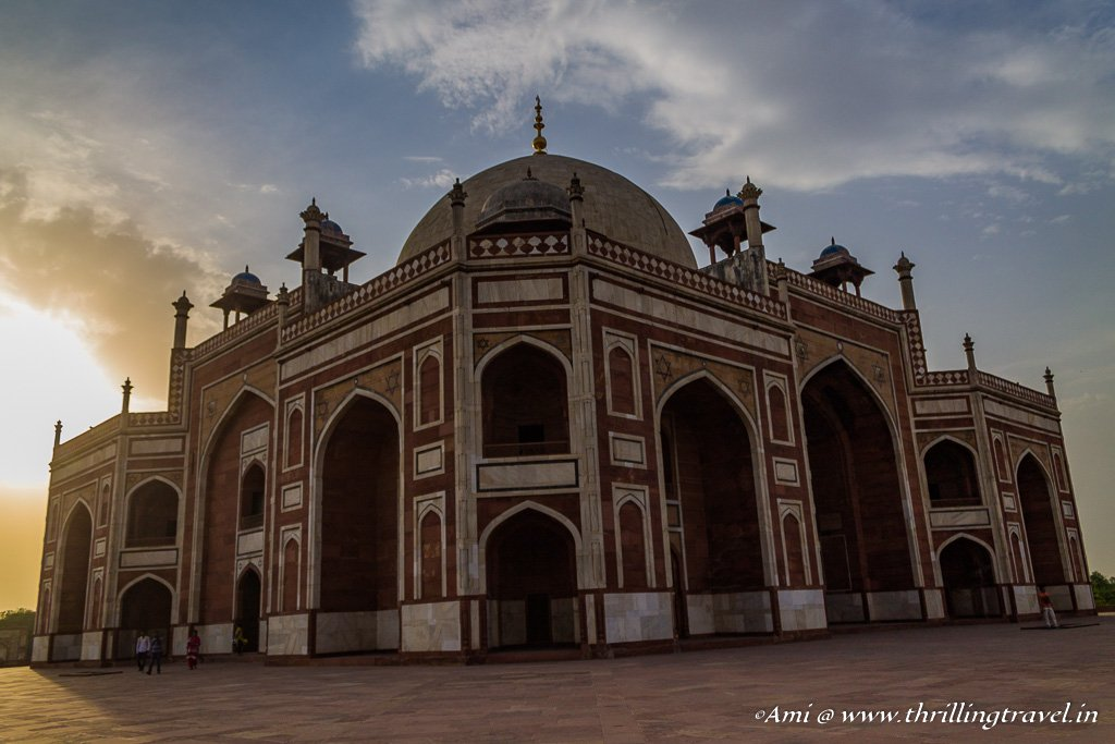 Humayun's tomb with a Sun Flare