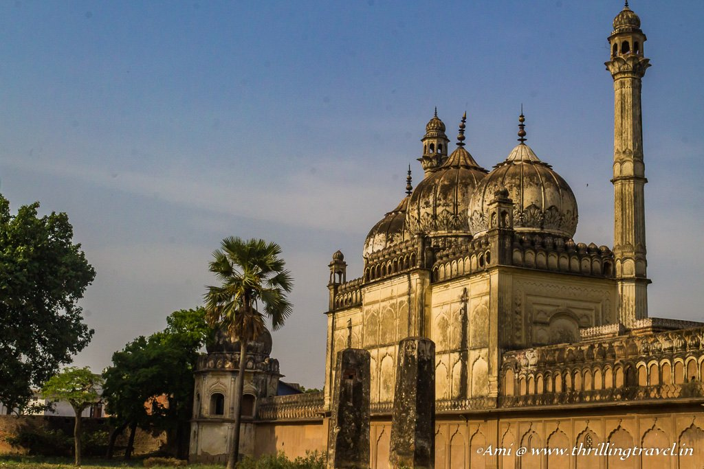 The watchtower next to the mosque at Gulab Bari in Faizabad