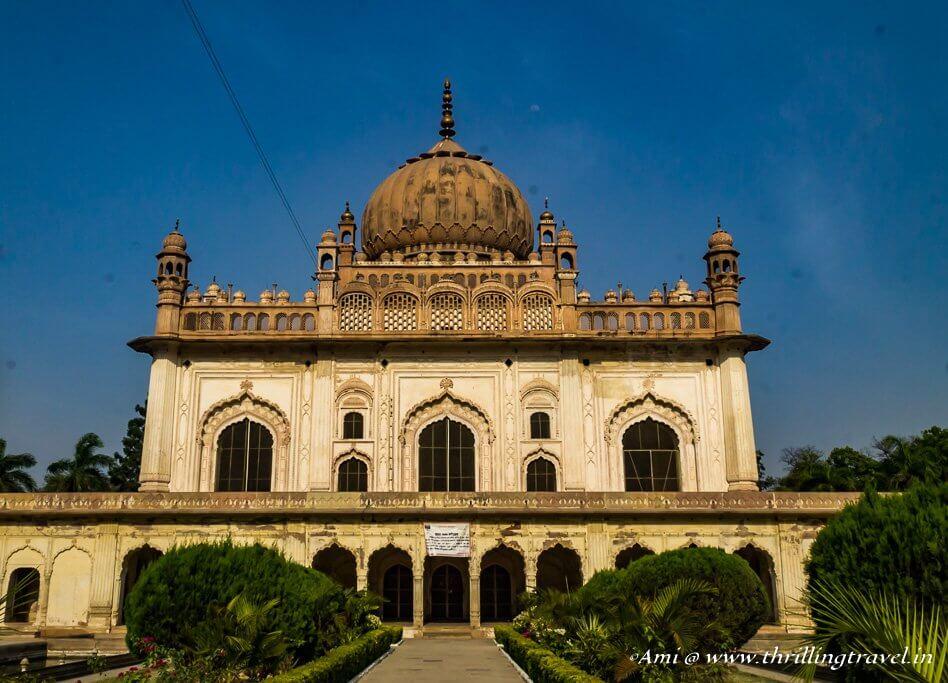 Gulab Bari with the Mausoleum in Faizabad