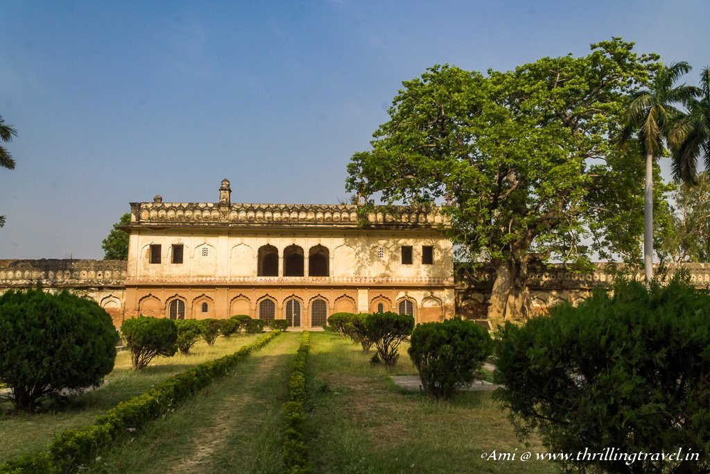 The other buildings in Faizabad Gulab Bari