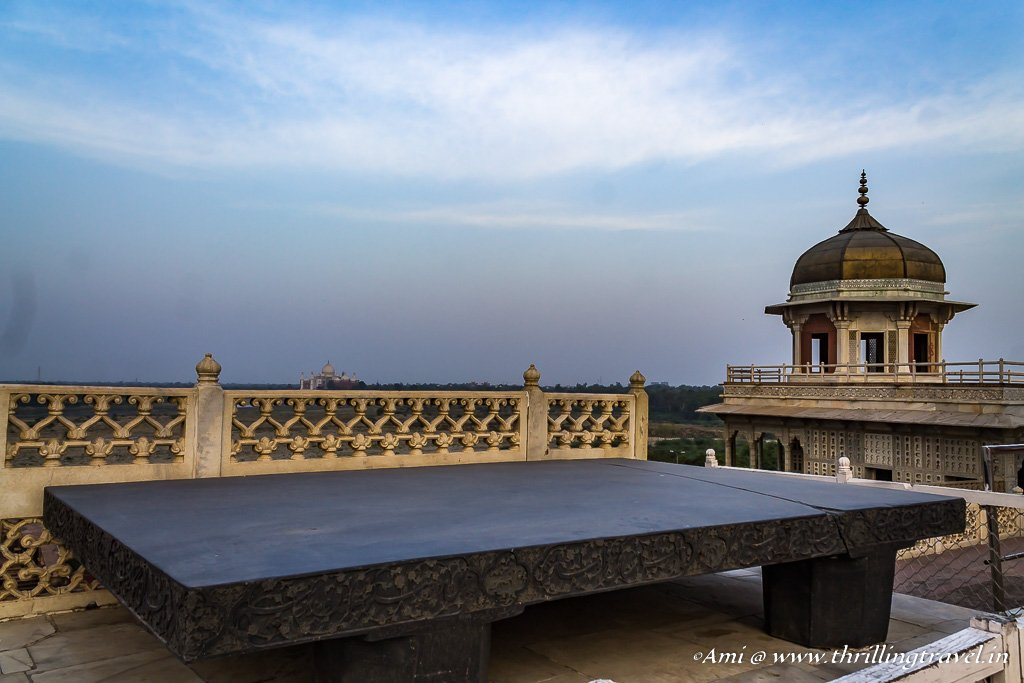 Jahangir's throne near Diwan-i-Khas of Agra fort