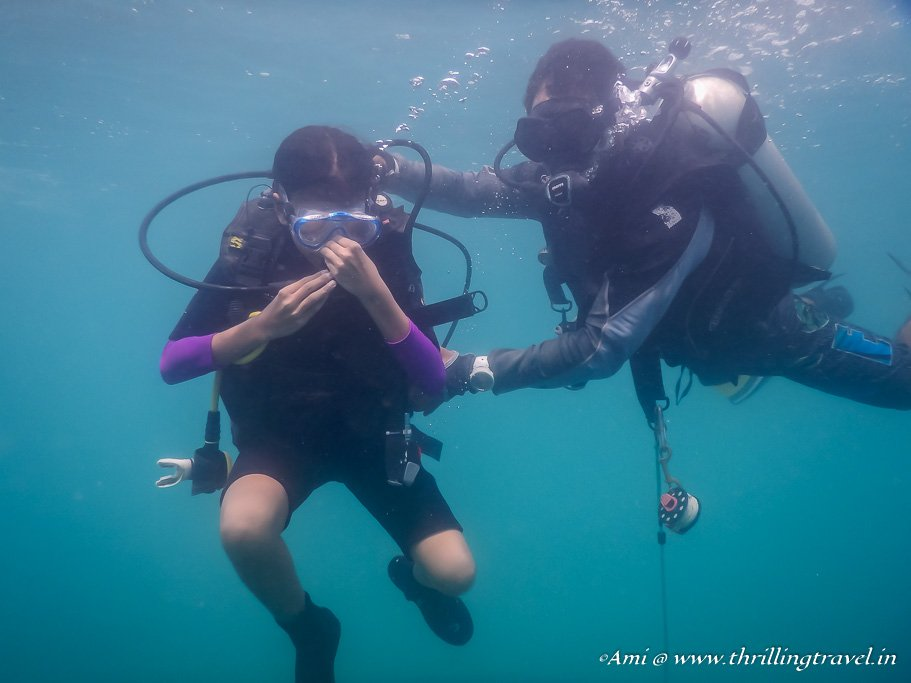 Learning to Equalize air pressure - PADI Scuba Diving Course