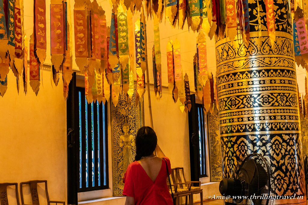 Leaving behind your bad luck at Wat Chedi Luang