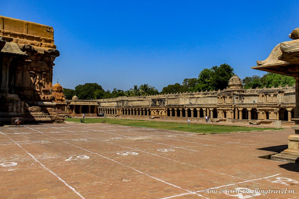 Cloister Mandapa around Brihadeeswarar Temple