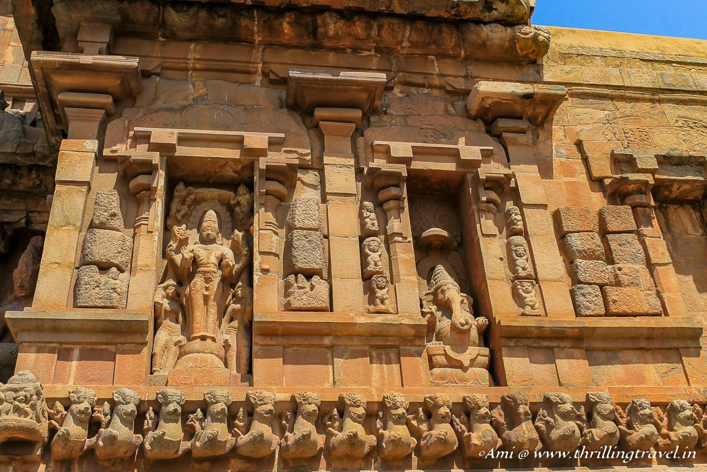 Deities on the walls of Brihadeeswara Temple, Tanjore