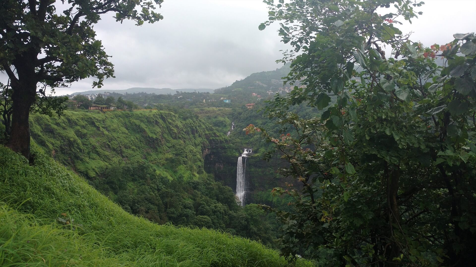 Weekend Getaway from Mumbai - Lonavala