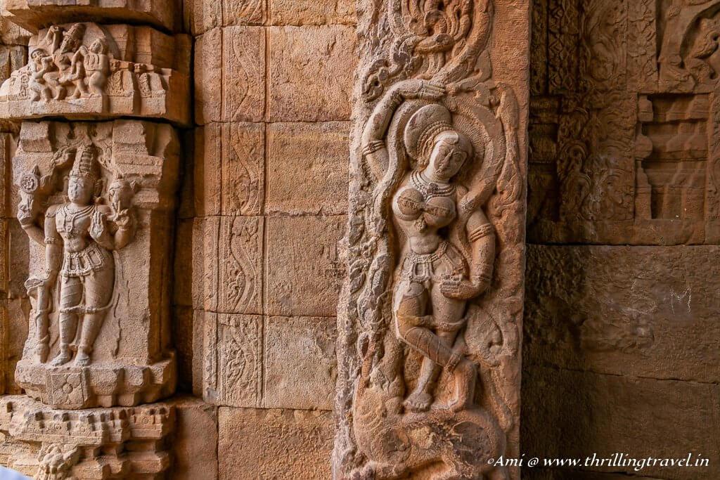 Carvings around the gate of MadhavarayaTemple in Gandikota