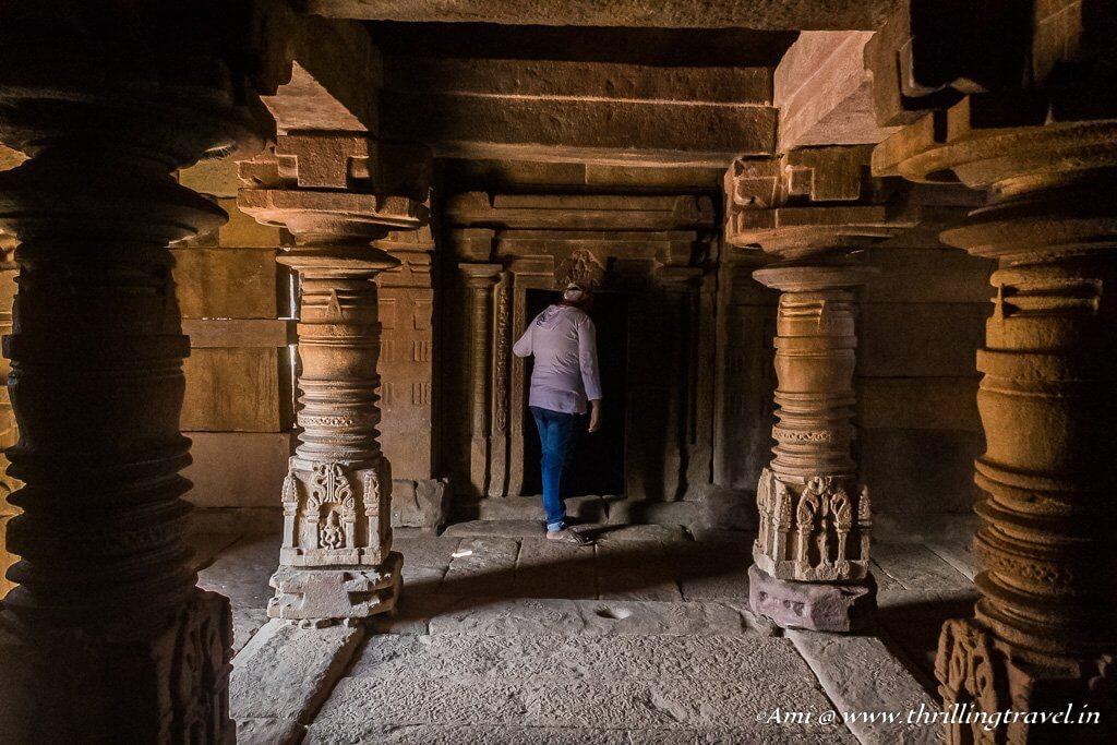 Pillars in Nadyar Gudi