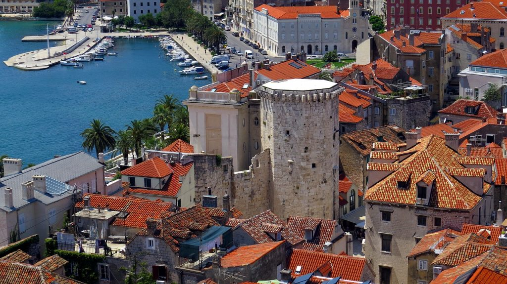 Split tourism starts with the famous Diocletian's Palace
