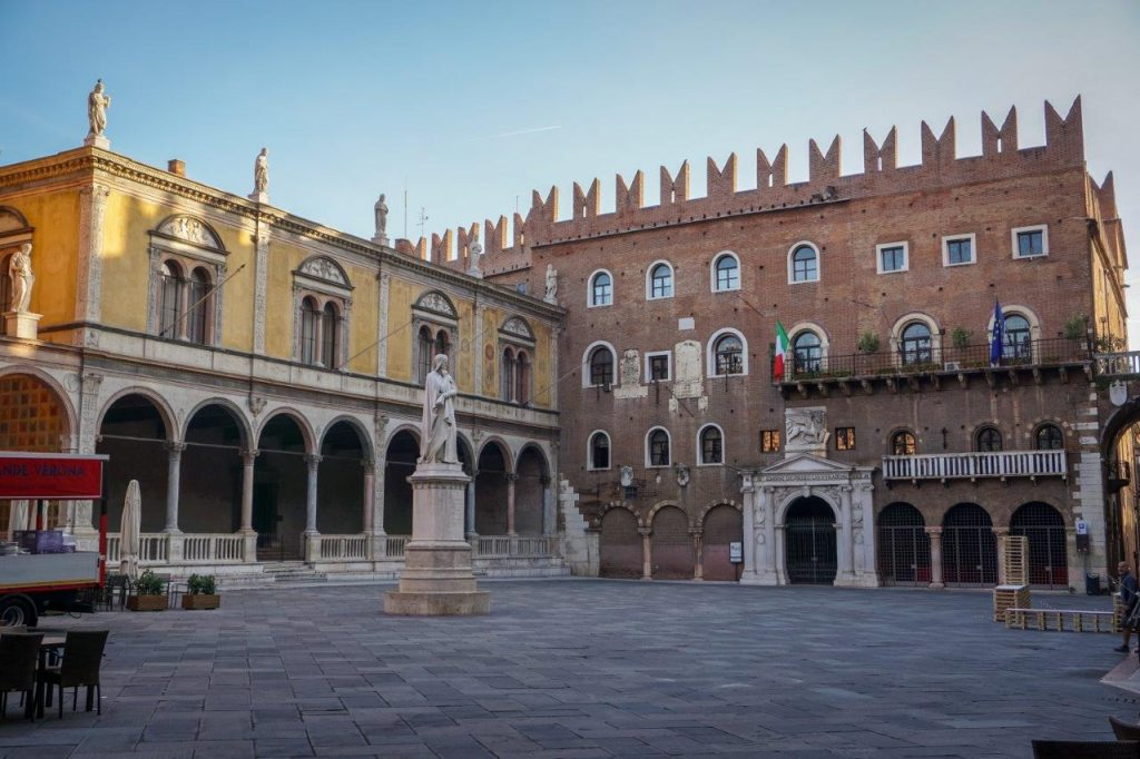Explore the Piazza dei Signora in Verona