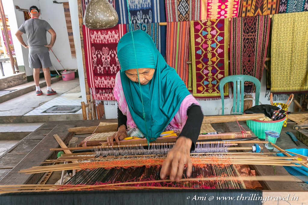 Sukarara Weaving village - an interesting Lombok attraction