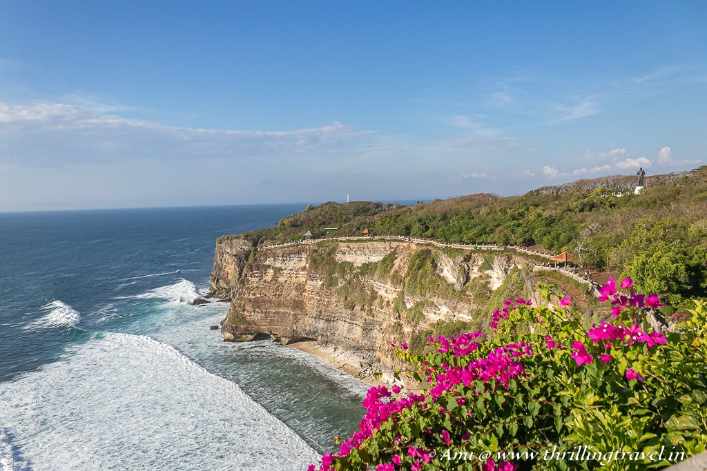 The soothing sea view from Uluwatu Temple