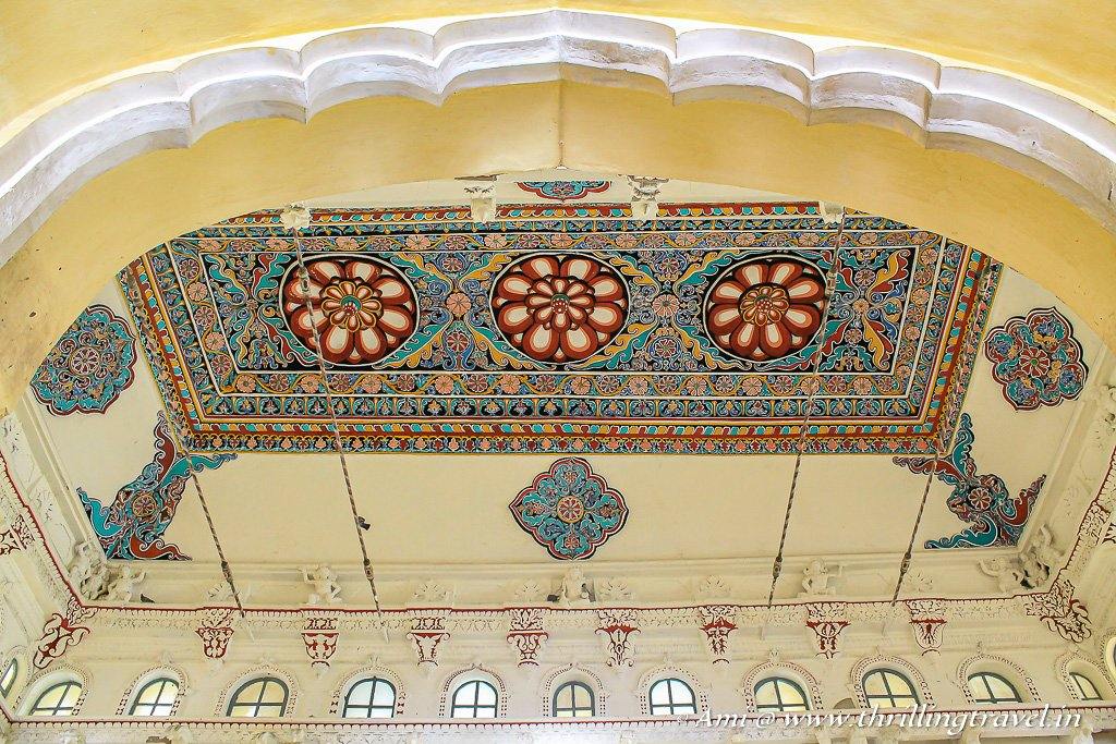 The ceiling that seemed like the Persian Carpet