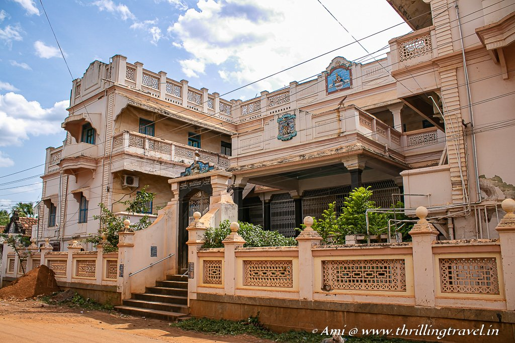 Aayiram Jannal Veedu or the 1000 window house of Karaikudi