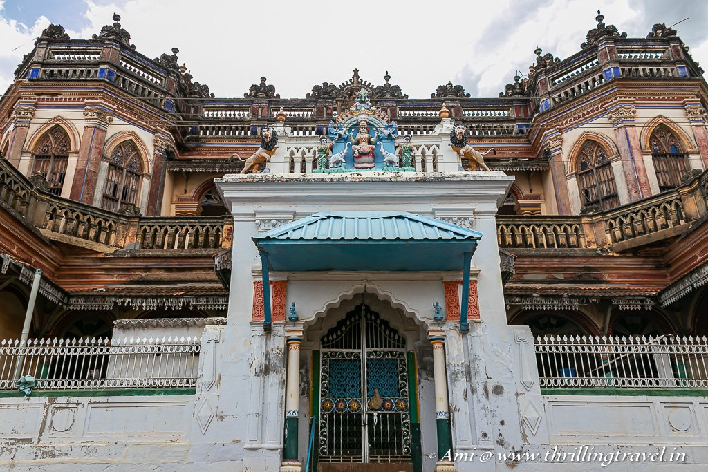 One of the many ghost mansions of Chettinad