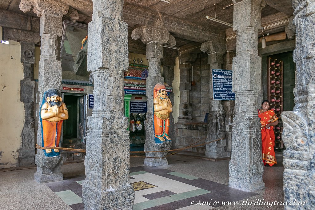 Sculpted pillars are a common sight in the Karaikudi temples - this one is from the Kundrakudi temple