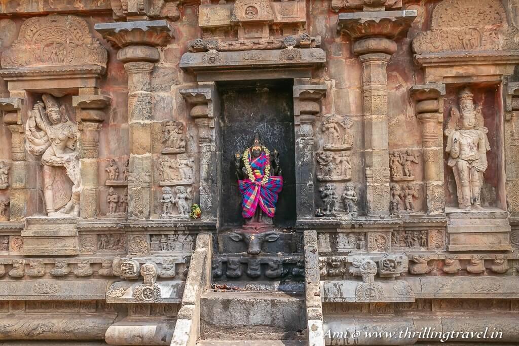 Goddess Durga along the walls of Airavatesvara Darasuram Temple