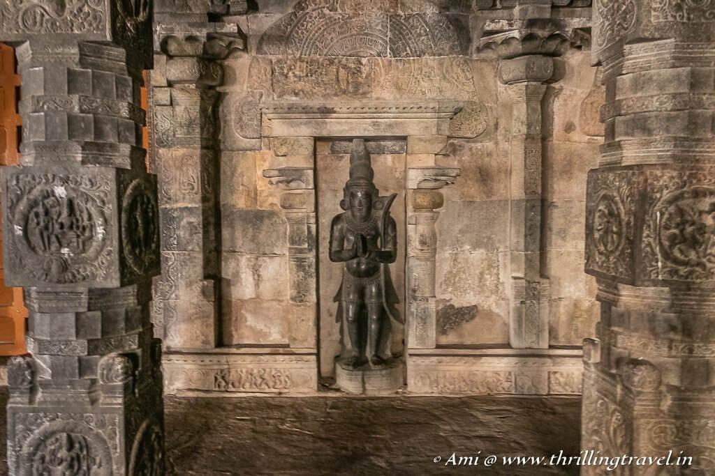 Kannappa sculpture in Airavatesvara Temple