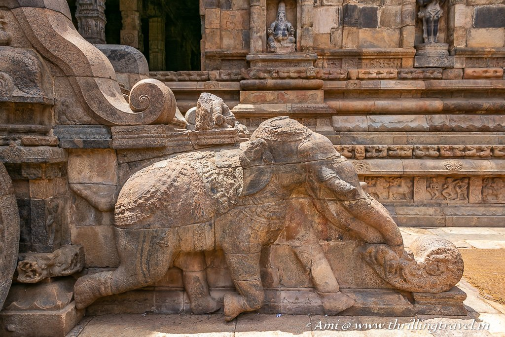 The balustrade staircase with the elephant at the Airvatesvara temple