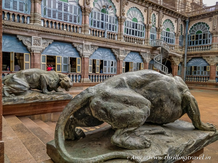 The tigers guarding the Wrestling courtyard of the Palace of Mysore