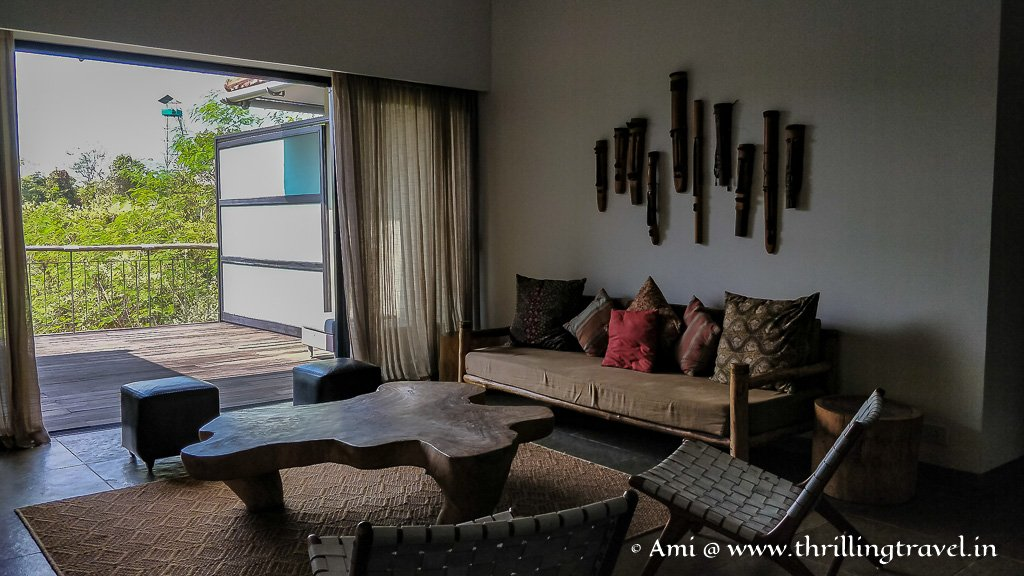 The common area between the four main rooms on the first floor at Kaav resort
