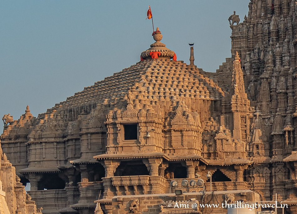 The Char-Dham floors with their balconies of the Dwarkadhish Temple Mandapa