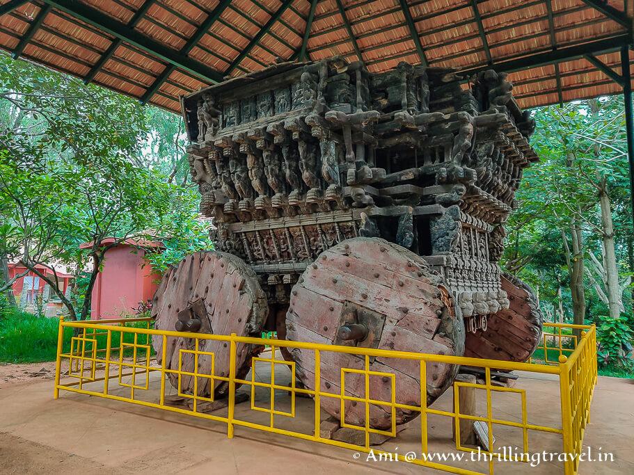 The wooden chariot at Janapada Loka