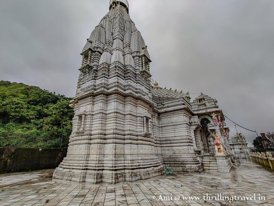 The gorgeous Saputara Jain temple - one of the places to visit in Saputara